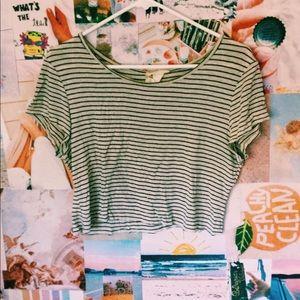 Stripped cropped light weight shirt